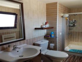 Image No.11-Maison / Villa de 6 chambres à vendre à Aradippou
