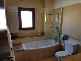 Image No.16-Maison / Villa de 6 chambres à vendre à Aradippou
