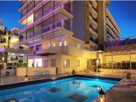 Ayios Tychonas, Apartment