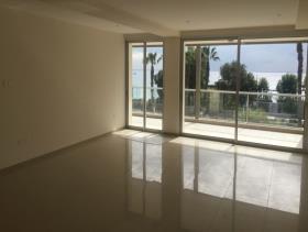Image No.3-Appartement de 3 chambres à vendre à Ayios Tychonas