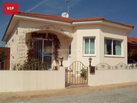 Image No.0-Bungalow de 2 chambres à vendre à Avgorou