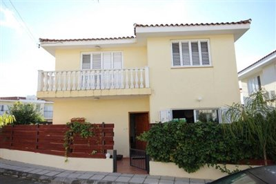 a-cozy-two-bedroom-villa-in-paphos-is-for-sale_full_1