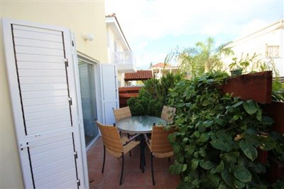 a-cozy-two-bedroom-villa-in-paphos-is-for-sale_full_2