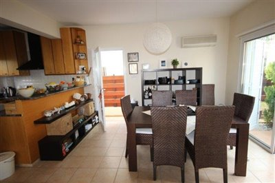 a-cozy-two-bedroom-villa-in-paphos-is-for-sale_full_10