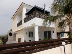 Image No.2-Maison / Villa de 3 chambres à vendre à Konia