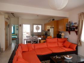 Image No.3-Maison / Villa de 3 chambres à vendre à Konia