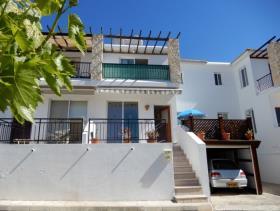 Image No.1-Maison de ville de 3 chambres à vendre à Peyia