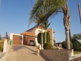 Image No.0-Maison / Villa de 4 chambres à vendre à Limassol