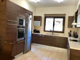 Image No.5-Maison / Villa de 4 chambres à vendre à Limassol