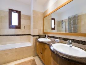 Image No.3-Villa / Détaché de 6 chambres à vendre à Aphrodite Hills