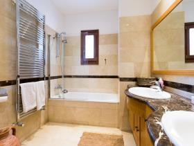 Image No.18-Villa / Détaché de 6 chambres à vendre à Aphrodite Hills