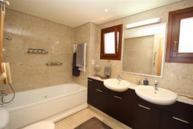 Image No.22-Villa / Détaché de 6 chambres à vendre à Aphrodite Hills