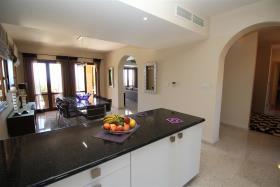 Image No.6-Villa / Détaché de 6 chambres à vendre à Aphrodite Hills