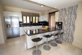 Image No.5-Villa / Détaché de 6 chambres à vendre à Aphrodite Hills