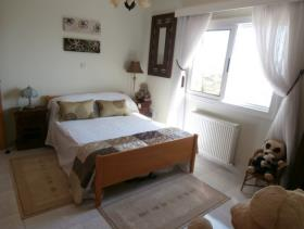 Image No.10-7 Bed Villa for sale