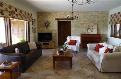 rocky-cliff-view-three-bedroom-bungalow-for-sale-in-episkopi_full_4