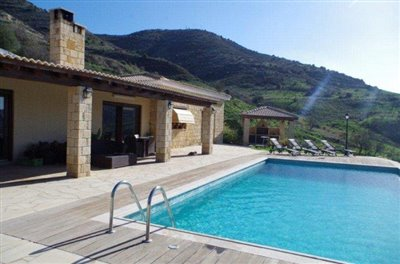 rocky-cliff-view-three-bedroom-bungalow-for-sale-in-episkopi_full_13