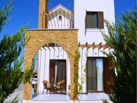 Ayia Thekla, Villa