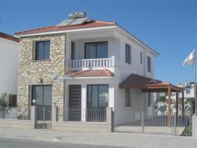 Pylas, Villa
