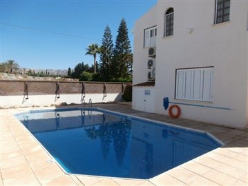 a-spacious-three-bedroom-villa-close-to-the-beach-in-coral-bay_full_1