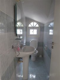 a-spacious-three-bedroom-villa-close-to-the-beach-in-coral-bay_full_11