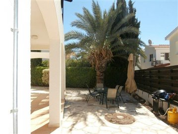 a-spacious-three-bedroom-villa-close-to-the-beach-in-coral-bay_full_18