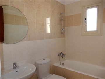 a-fabulous-three-bedroom-villa-in-coral-bay-is-for-sale_full_8