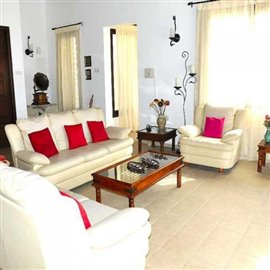 fully-furnished-bungalow-in-coral-bay_full_18