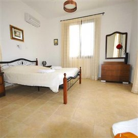 fully-furnished-bungalow-in-coral-bay_full_23