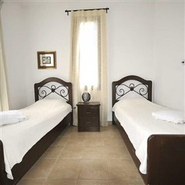 fully-furnished-bungalow-in-coral-bay_full_28