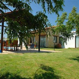 fully-furnished-bungalow-in-coral-bay_full_30