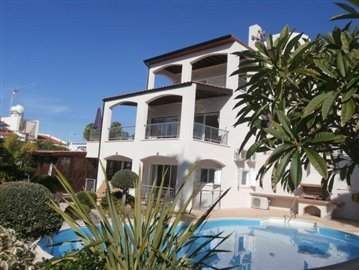 luxurious-three-bedroom-villa-with-guest-s-quarters-in-coral-bay-is-for-sale_full--1-