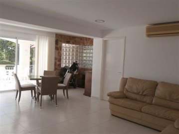 luxurious-three-bedroom-villa-with-guest-s-quarters-in-coral-bay-is-for-sale_full_23