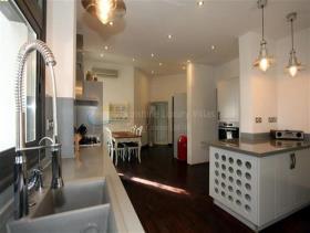 Image No.2-Villa / Détaché de 6 chambres à vendre à Tala