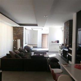 four-bedroom-bungalow-in-koloni_full_17