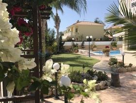 Image No.4-Villa de 4 chambres à vendre à Larnaca