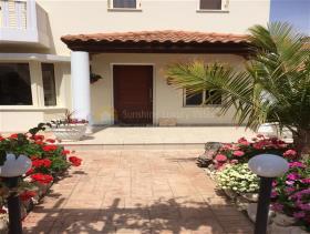 Image No.5-Villa de 4 chambres à vendre à Larnaca
