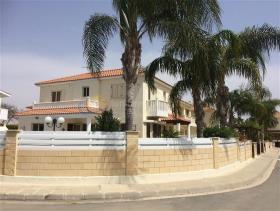 Image No.8-Villa de 4 chambres à vendre à Larnaca