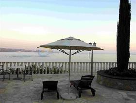 Coral Bay, Villa