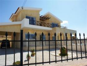 Image No.1-Maison / Villa de 4 chambres à vendre à Pissouri