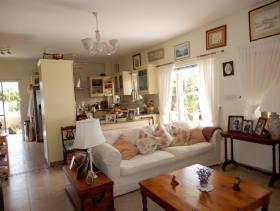 Image No.6-Maison / Villa de 4 chambres à vendre à Tala