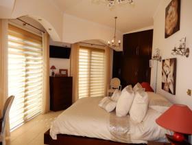 Image No.12-Villa de 4 chambres à vendre à Peyia