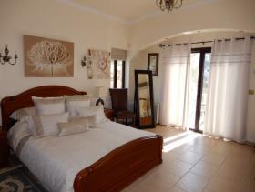 Image No.14-Villa de 4 chambres à vendre à Peyia
