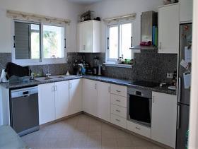 Image No.1-Maison / Villa de 4 chambres à vendre à Konia