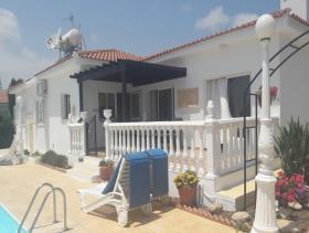 Image No.19-Bungalow de 4 chambres à vendre à Ayia Napa