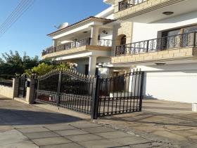 Image No.6-Maison / Villa de 7 chambres à vendre à Empa