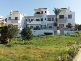 Image No.0-Commercial de 14 chambres à vendre à Kissonerga