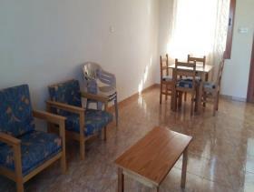 Image No.3-Commercial de 14 chambres à vendre à Kissonerga