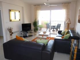 Image No.2-Appartement de 2 chambres à vendre à Mesa Chorion