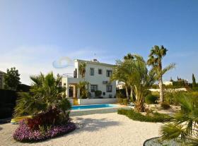 Image No.1-Maison / Villa de 4 chambres à vendre à Kouklia
